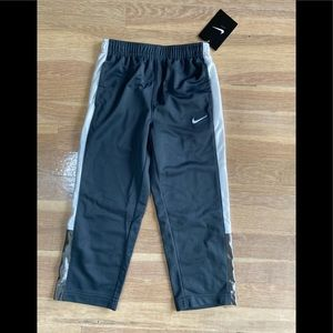 Boys Nike Grey Sweatpants Size 4T Nwt